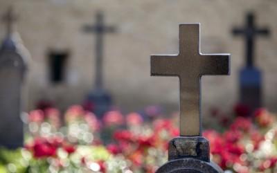 Nagrobki granitowe królują w Polsce – Dlaczego?