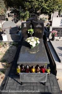 Cmentarz bródnowski nagrobki granitowe