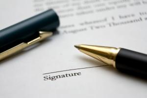 Podpisywanie umowy z zakładem kamieniarskim