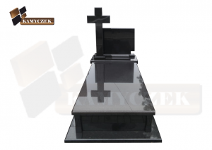 czarny szwed nagrobek z granitu zakład kamieniarski kamyczek